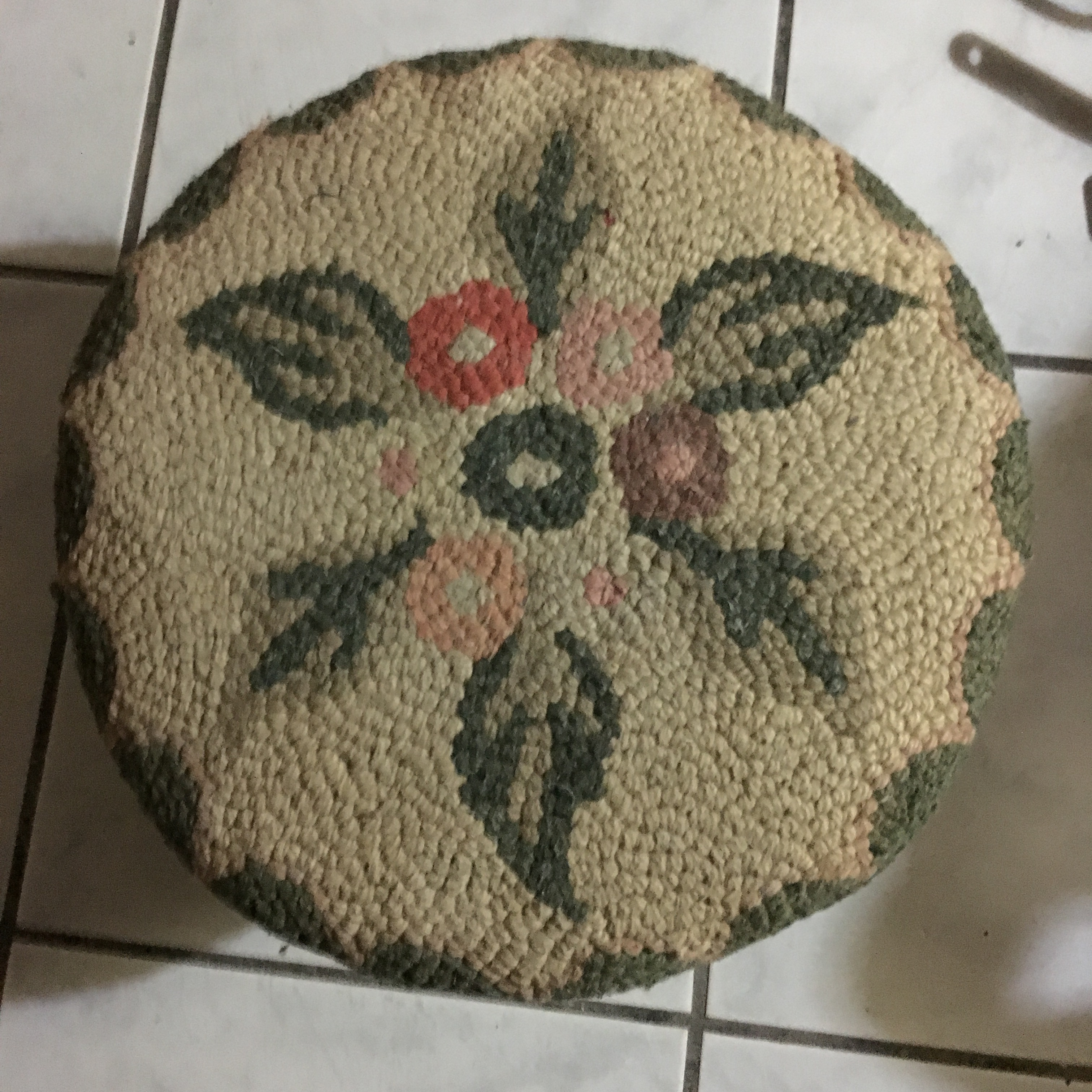 second hand store $4 footstool